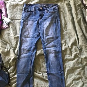 American eagle skinny jeans size 8 (2 pairs)